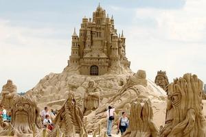 20 Amazing Sandcastles