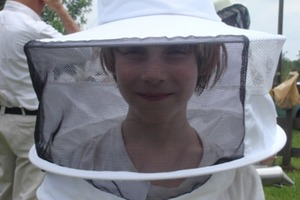 How to Make a Bee Keeping Suit