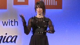 Imogen Heap's Musical Gloves