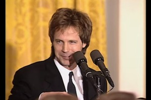 Dana Carvey impersonates Bush and Perot