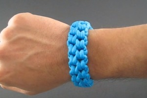 How To Tie a Paracord Bracelet