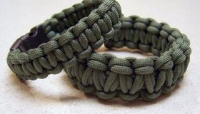 Buckled Paracord Bracelet