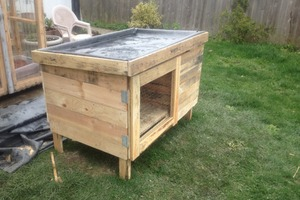 Rabbit Hutch From Recycled Pallets