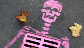 Skeleton Street Stencil