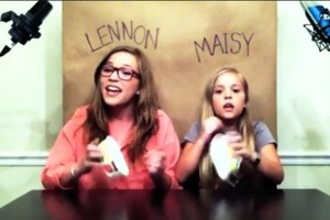Singing Sisters Lennon and Maisy