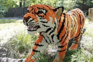 LEGO Animals Invade the Bronx Zoo!