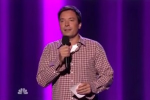 Jimmy Fallon does great impersonations of Seinfeld and others
