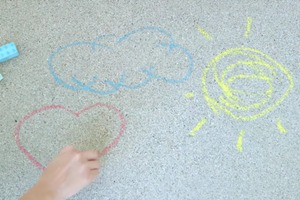 How to Make Sidewalk Chalk (Only 3 Ingredients!)