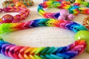 Make a Fishtail Rainbow Loom Bracelet